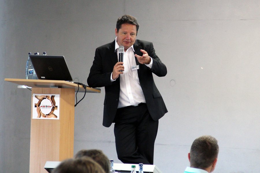 Uwe Seltmann (CEO, icon Systemhaus GmbH) at the DOPE User Meeting 2012